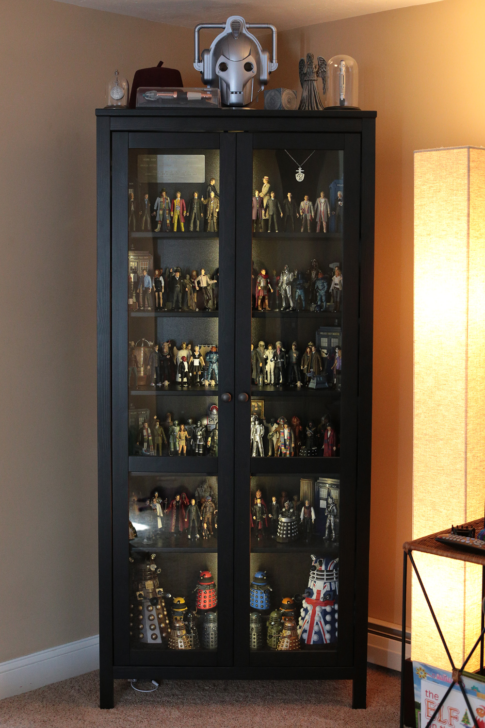 Show off your figure collections!!! - Page 18 Whocabinetclosed1